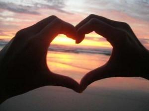 Corazón- manos Caridad