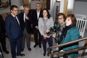 López Abella  visita o Fogar de Dona Basilisa.